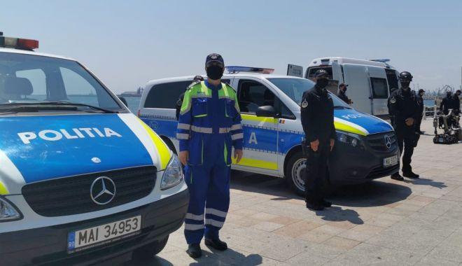 """Foto: Mașini de poliție """"copiate"""" din Germania, pe șoselele de pe litoral"""