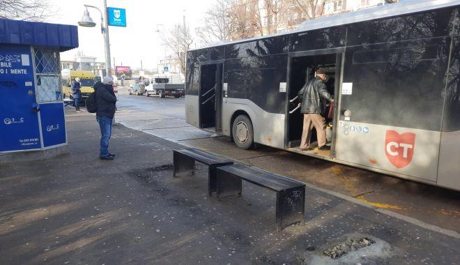 Dispar refugiile din stațiile de autobuz. Călătorii, lăsați în ploaie? - fondrefugiistatiiautobuz7-1611687947.jpg