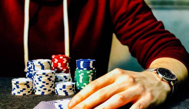 """Foto: Vieți distruse de vicii! """"Am renunțat la droguri și la jocurile de noroc, dar…"""""""