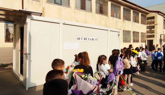 Harababură de nedescris! Tergiversările de pe șantierul Școlii nr. 16 au condus la sacrificarea orarului elevilor - fondscoala10print-1631551833.jpg