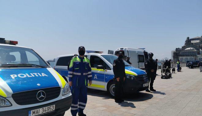 Polițiștii își strigă supărarea: