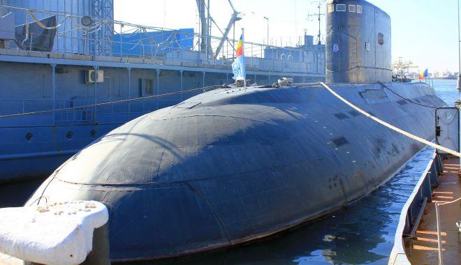 """Foto: Submarinul """"Delfinul"""", legat de 24 de ani la cheu. Mai are oare șanse de activare?"""