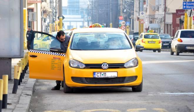 Taximetriștii din Constanța, la control! Ce nereguli au găsit polițiștii - fondtaxi-1431621900.jpg
