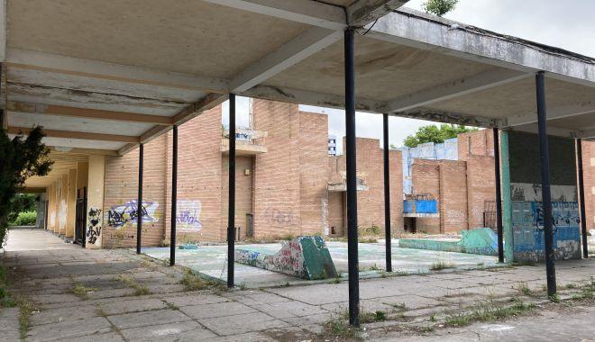 Teatrul de Vară din Mamaia, îngropat! Planurile de reabilitare, abandonate de Consiliul Judeţean Constanţa - fondteatruldevara1-1622656094.jpg