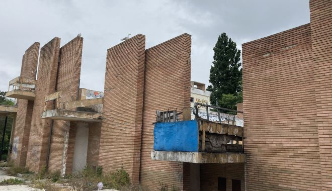 Teatrul de Vară din Mamaia, îngropat! Planurile de reabilitare, abandonate de Consiliul Judeţean Constanţa - fondteatruldevara10-1622656188.jpg