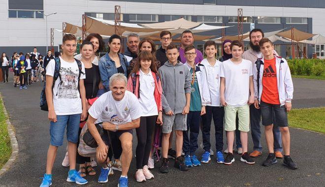 Înotătorii de la Palatul Copiilor se pregătesc la bazinul lui Răzvan Florea - fondtileaga-1611674274.jpg