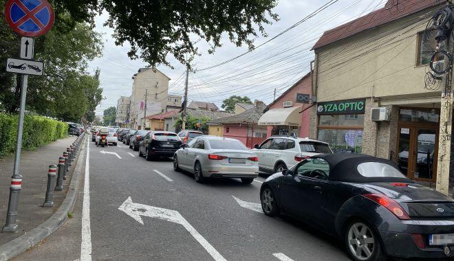"""Trafic de coşmar şi haos al parcărilor în cartierul Tomis II. """"Ne-au învrăjbit între noi!"""" - fondtraficdecosmar3-1624382015.jpg"""