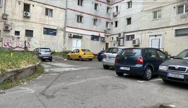 """Trafic de coşmar şi haos al parcărilor în cartierul Tomis II. """"Ne-au învrăjbit între noi!"""" - fondtraficdecosmar5-1624382030.jpg"""