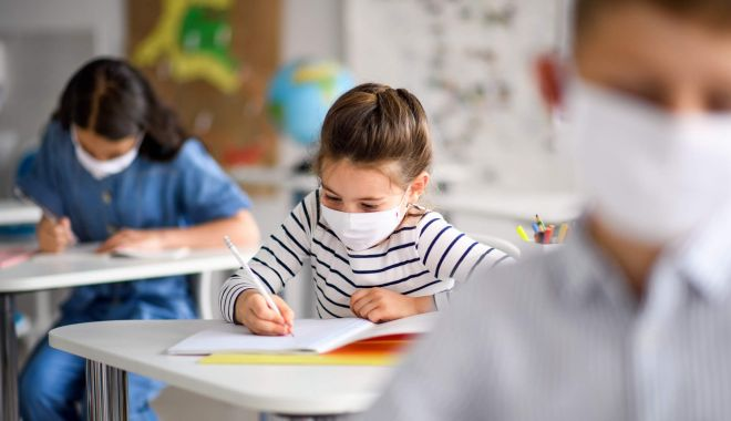COVID-19 și școala din satul vecin. Cum ajung copiii din mediul rural în bănci? - fondtransportelevi-1612894173.jpg