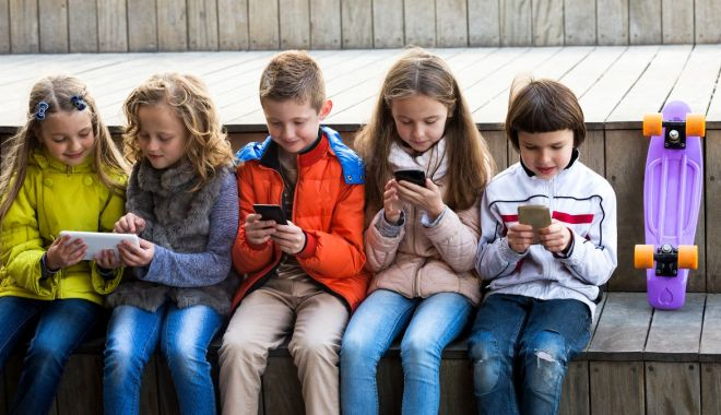 Victime la vârste fragede. Copii abuzați online - fondvictime-1581861016.jpg