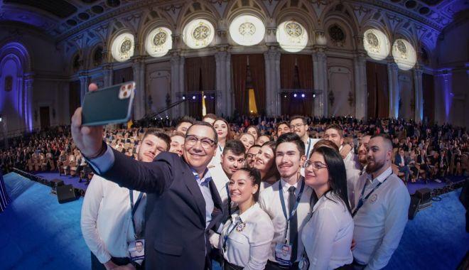 Foto: Victor Ponta a lansat Manifestul Politic PRO România 2020-2024