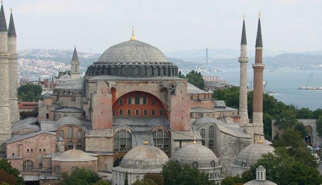 """Foto: Fosta Catedrală """"Sfânta Sofia"""" de la Istanbul ar putea deveni… Moscheea """"Sfânta Sofia"""""""