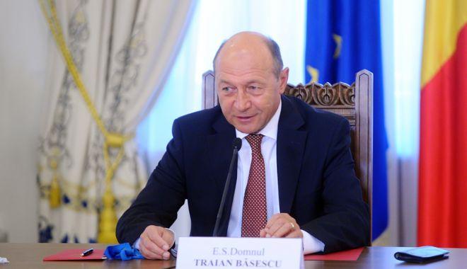 Traian Băsescu,  ironic despre  vizitele premierului: