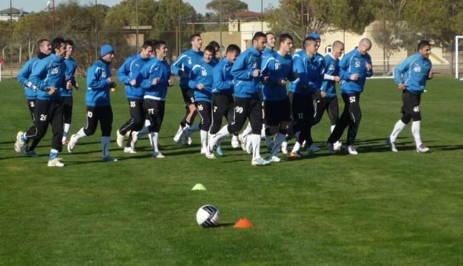 Fotbal / FC Viitorul mai stă o săptămână în Antalya - fotbal1-1329644493.jpg