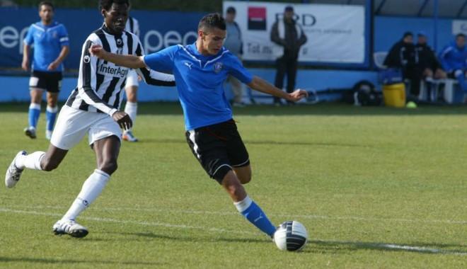 Fotbal / Trei jucători ai Viitorului, convocați la naționala U20 - fotbal2-1329645248.jpg