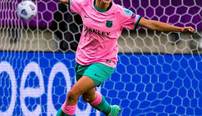 Fotbal feminin / FC Barcelona a câştigat finala Ligii Campionilor - fotbalbarcelona-1621245938.jpg