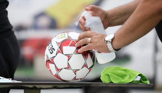 Creşte numărul infectărilor! Fotbalul românesc, bulversat de virusul Covid-19 - fotbalcovid-1603276418.jpg