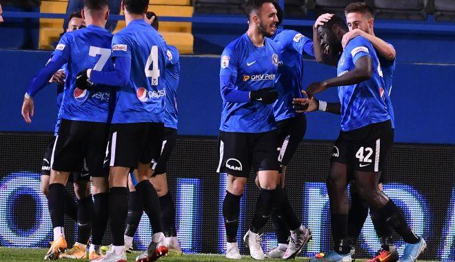 Fotbal / FC Viitorul, neînvinsă de şapte etape. Dinamo, ultima victimă - fotbaldinamo-1604917380.jpg