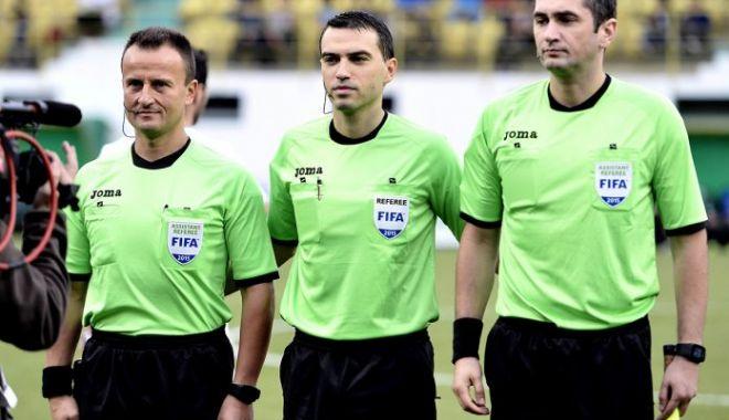 Fotbal / Ovidiu Hațegan o arbitrează pe Manchester United în Liga Campionilor - fotbalhategan2311-1606127361.jpg