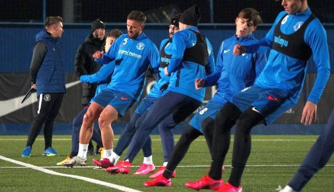 Fotbaliştii de la FC Viitorul, primul antrenament după reunire - fotbalistii-1609258441.jpg