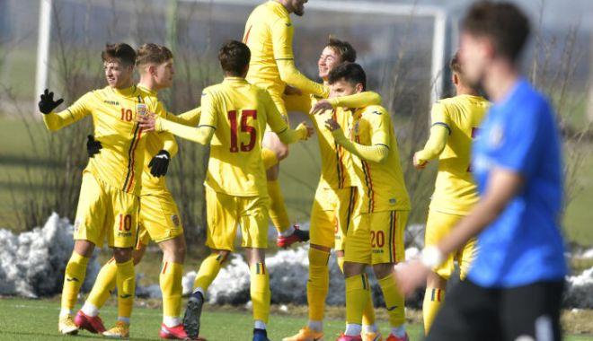 Fotbal / Victorii pentru tricolorii U18 în cele două amicale ale stagiului de pregătire - fotbaltricolori-1613645298.jpg