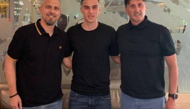 Foto: FC Viitorul a transferat un mijlocaș de la Swansea City