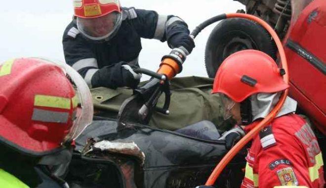 TRAGEDIE RUTIERĂ LA CONSTANȚA! UN BĂRBAT A MURIT, după ce mașina lui s-a răsturnat - fotoaccidentbobota-1535814168.jpg