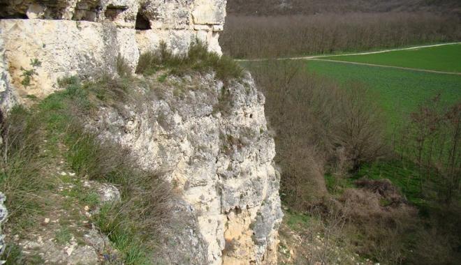 Frumusețile ascunse ale Dobrogei: păduri  și peșteri pline de legende și plaje neștiute - fotofondcanarauafetii1-1496247145.jpg