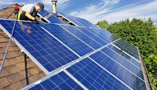 Casa Verde. Bani de la stat pentru montarea de panouri fotovoltaice - fotofondcasaverde-1567536528.jpg