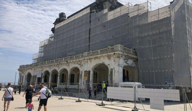"""Foto: Ludovic Orban, în vizită pe faleză: """"Vrem să redăm Cazinoul constănțenilor!"""""""