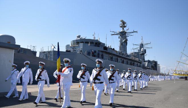 Foto: Ceremonii restrânse, de Ziua Marinei. Președintele Iohannis, în vizită la Constanța