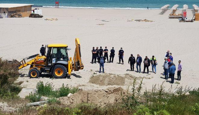 Jandarmii și procurorii au luat cu asalt construcțiile ilegale de pe plaja din Faleză Nord - fotofondconstructiiledepeplaja2p-1590166931.jpg