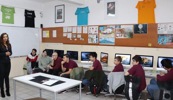 Foto: Cursuri online la Școala Spectrum și Liceul Internațional de Informatică din Constanța
