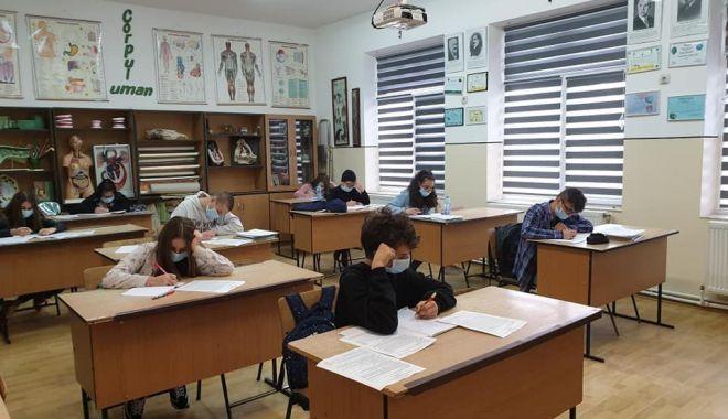 Emoții uriașe la cele mai atipice examene din învățământul românesc! Astăzi, începe Evaluarea Națională - fotofondevaluarenationala1-1592148132.jpg