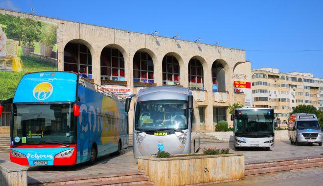 Expoziţie inedită la Casa de Cultură. Noile modele de autobuze ale CT BUS, prezentate constănţenilor - fotofondexpozitiectbus1print-1600959223.jpg
