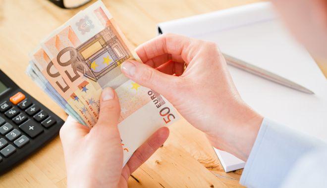 """Foto: """"Fondurile europene sunt pentru cei cu bani!"""" Cine poate ajunge la """"borcanul cu miere"""""""