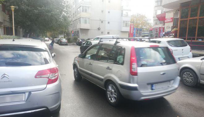 """Calvar în trafic, pe o stradă din Constanța. """"Vrem sens unic, altfel nu se mai poate!"""" - fotofondgarofiteisensunic3-1606158008.jpg"""