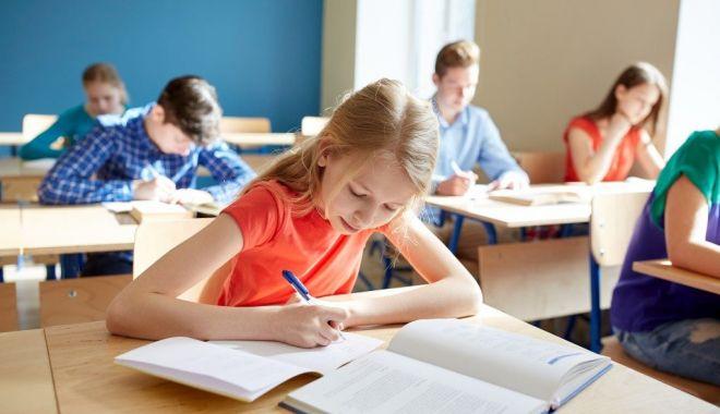 Foto: Începe admiterea la clasa a V-a. Cum se fac înscrierile și când se dau examenele