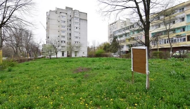 Foto: Betoane pe bulevardul Lăpușneanu. S-a pus cruce pe ultimele două spații verzi de vizavi de Tăbăcărie