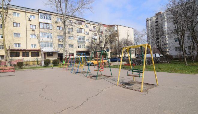 Vine, vine primăvara….Când vor fi gata locurile de joacă din Constanța? - fotofondlocuridejoaca1-1551041939.jpg