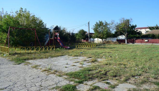 Vine, vine primăvara….Când vor fi gata locurile de joacă din Constanța? - fotofondlocuridejoaca4-1551042017.jpg