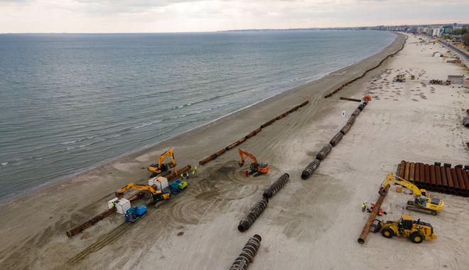 Renasc plajele. Lucrări de înnisipare şi diguri noi, pe litoral - fotofondlucrariplaje-1601830031.jpg