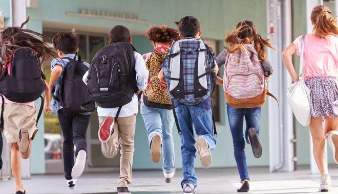 Mai puține ore la școală! Tăiem programele, tăiem posturile sau facem after school? - fotofondmaiputineore2-1574201363.jpg