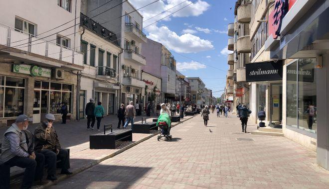 Constanța, fără shopping. Mall-urile închise și magazine din centru, de vânzare