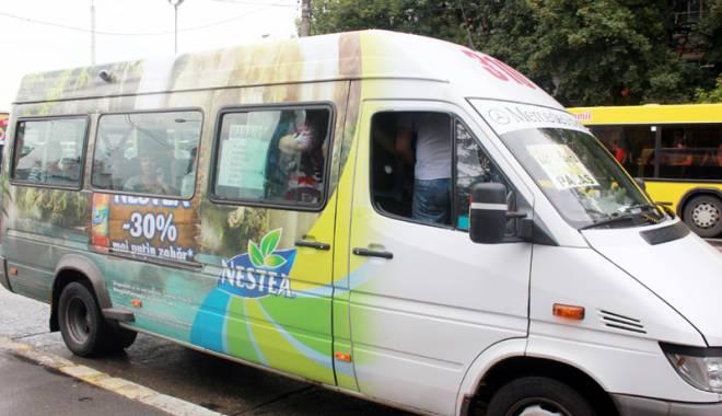 Alo, ANAF? Cine protejează din umbră afacerea cu microbuze maxi-taxi - fotofondmaxitaxi2-1435504373.jpg