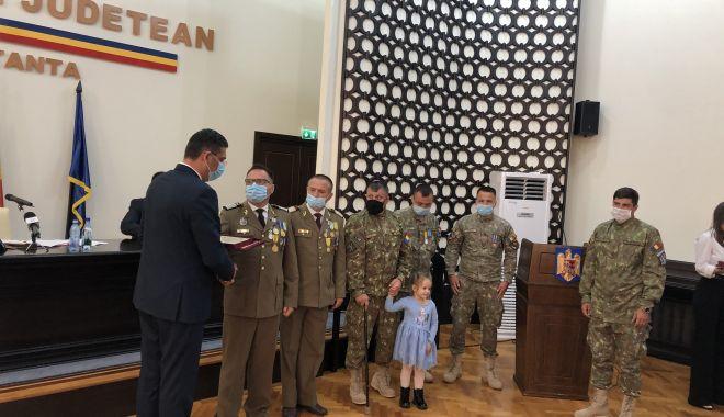 Maestrul Virgil Andriescu şi şase militari eroi, Cetăţeni de Onoare ai judeţului Constanţa - fotofondmomenteemotionante6-1600970537.jpg