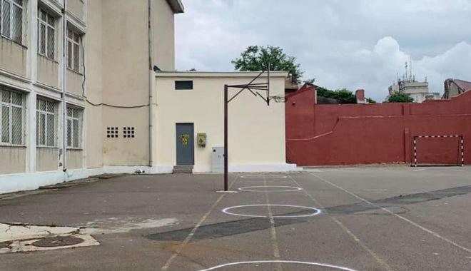 Orar mai scurt, o zi la școală, o zi acasă - variantele pentru deschiderea școlilor din Constanța - fotofondoramaiscurt-1598550236.jpg