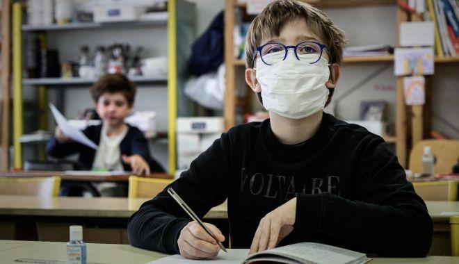 Orar mai scurt, o zi la școală, o zi acasă - variantele pentru deschiderea școlilor din Constanța - fotofondorarmaiscurt11-1598550275.jpg