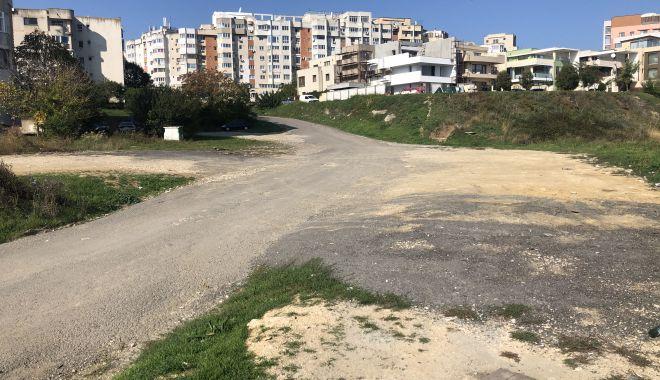 Foto: Parcuri și parcări! Constănțenii din cartierul Faleză Nord cer administrației locale amenajarea zonei