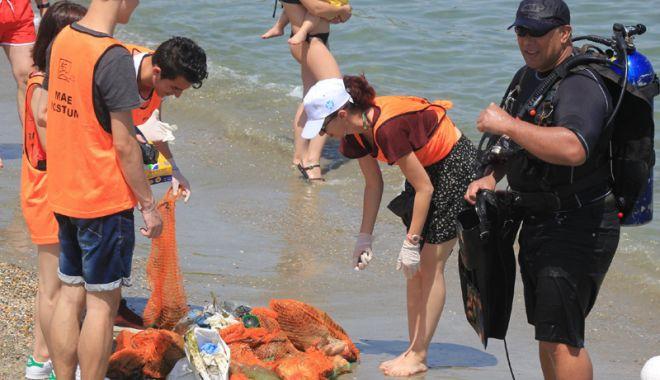 Plaje sufocate de plastic pe litoralul românesc! Cel mai murdar nisip, la Constanța - fotofondplajesufocate-1530720744.jpg